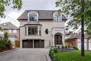 Bright 2-Storey House In Superior Location At Wedgewood Dr
