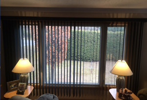 BEAUTIFUL CUSTOM HORIZONTAL BLINDS IN EXCELLENT CONDITION!!