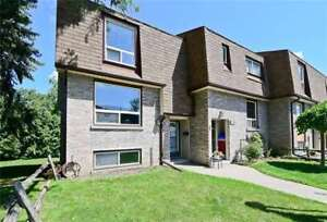 End Unit 2 Storey Home In Well Maintained North Oshawa Complex!