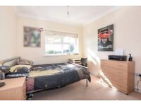 ++Outstanding master room in new property near CAMDEN !