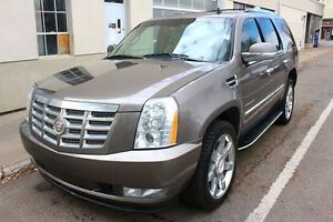 2011 Cadillac Escalade AWD LOADED FINANCE AVAILABLE