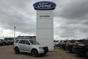2012 Ford Escape XLT, 3L V6, 4WD, Moonroof