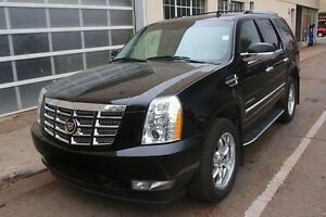2012 Cadillac Escalade AWD LOADED 1 OWNER TRADE FINANCE AVAILABL