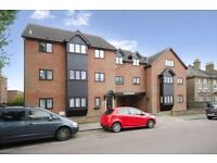 2 bedroom flat in Barclay Court, 15 Dale Grove, London, N12