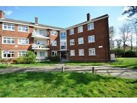 Not To Be Missed - Well Presented 3 Bed Secure Flat In South Woodford E18 Mins From Tube & Bus