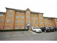 Spacious 2 Bedroom Apartment close to Uxbridge Town