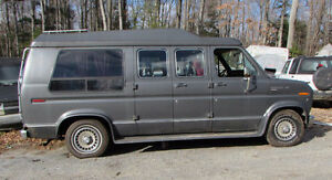 1990 Ford E-Series Van Wheelchair Lift Minivan, Van
