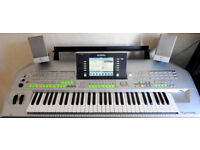 Yamaha Tyros 2 Digital Workstation Keyboard with Speakers and Bass Sub Woofer