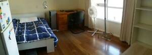 BIG ROOM WITH ENSUIT FOR 2 PEOPLE 3 MINUTES TO DEAKIN UNIVERSITY