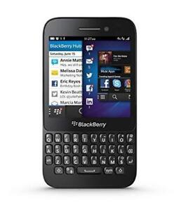 Blackberry Q5 16gb Black Unlocked in perfect Condition!