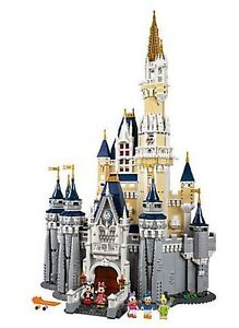 LEGO Disney Castle Cinderella 71040 - NEW IN BOX Kitchener / Waterloo Kitchener Area image 2