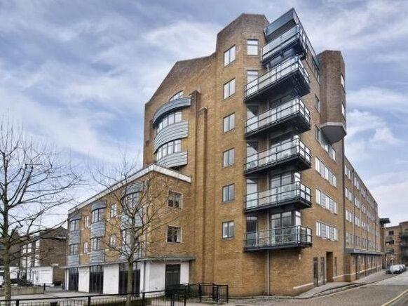 2 bedroom flat in Merchants House, Collington Street, Greenwich