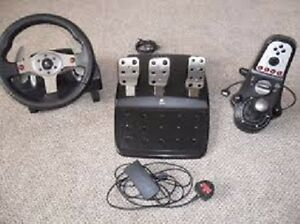 Logitech G 25 racing wheel with pedals and shifter