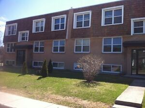 Pierrefonds, large 1 1/2 available July 1st, all included Heated