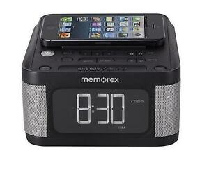 memorex fm radio stereo alarm clock aux mc8431 2 usb charging iphone 5 6 android. Black Bedroom Furniture Sets. Home Design Ideas