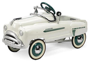 LOOKING FOR A VINTAGE RIDE ON PEDAL CAR