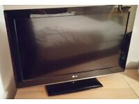 LG 32 INCH FULL HD TV 1080P WITH STAND AND REMOTE not SAMSUNG SONY PANASONIC