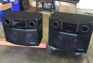 Yorkville elite Micron 600 speakers