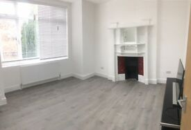 4 bedroom flat in 1st Floor Flat, St Pauls Avenue, Willesden Green, NW2