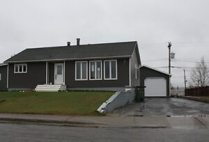NEW PRICE! 3 Bedroom Home & Detached Garage.. 208 Lakeside Dr.