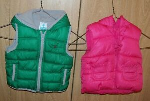 2 6-12 month TWINS 1 pink, 1 green OLD NAVY Vests Excellent cond