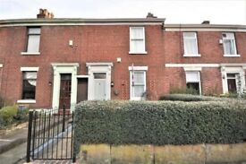 Victorian mid terraced 2 bedroom house to rent / to let in centre of Preston near town centre