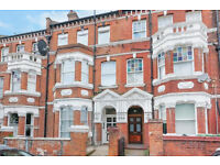 A BRIGHT & SPACIOUS STUDIO FLAT CLOSE TO TUBE & SHOPPING IN WEST HAMPSTEAD LONDON NW6