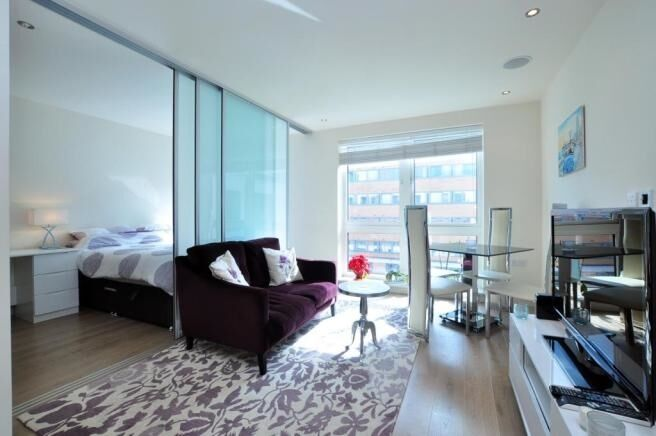 A stylish and bright Manhattan style 1 bed flat, Chelsea Creek, SW6. Contact 020 3486 2290.