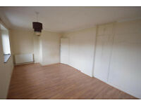 2 Bedroom House to rent in Peregrine Road, Hainault, DSS Accepted