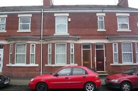 Double Bedroom Avaialble for rent (Female) Including All Bills Near City Centre Manchester
