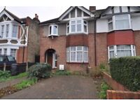 Large one bedroom ground floor flat with lovely private garden in New Malden!!!
