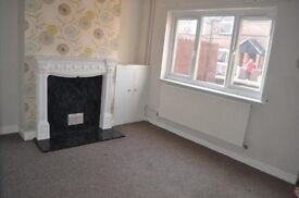 3 BEDROOMED Family or Shared Accomodation - Mid Terrace House to Rent