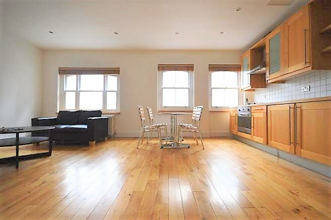 VERY LARGE 2 DOUBLE BEDROOM LOCATED WITHIN MINUETS OF ALDGATE EAST STATION