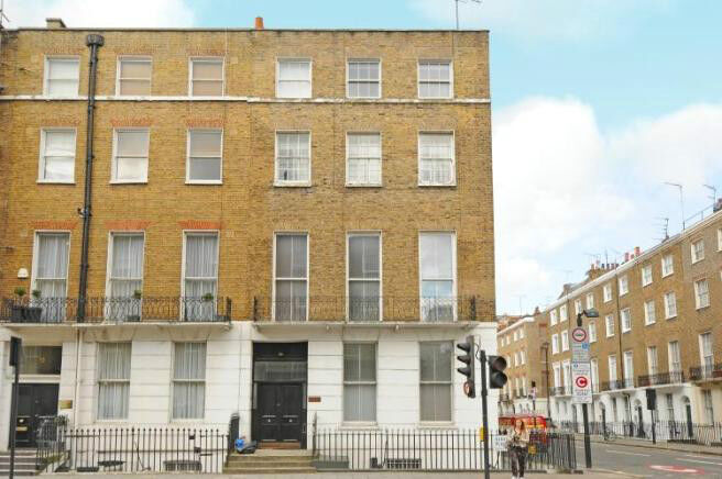 A spacious two doublebedroom / two bathroom apartment in MARYLEBONE
