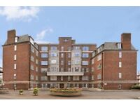 4 bedroom flat in College Crescent, Swiss Cottage