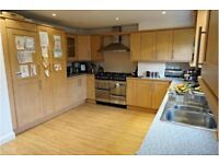 Kitchen units with good conditions doors and handles