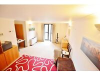 **SUPERB 2 BEDROOM Apartment to Rent in LIVERPOOL STREET, EC2M**