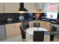3 bedroom house in Chapel Road, Oldham, OL8 (3 bed)