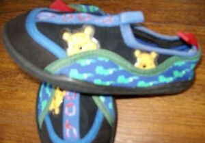 Winnie-the-Pooh WATER SHOES - As new Windsor Region Ontario image 1