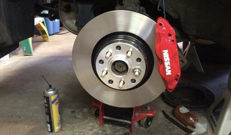 Cheap Brake Service >> Cheap And Reliable Mobile Car Mechanic Servicing Mot Failures Brake