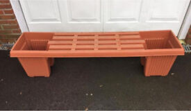 Garden bench and 2 planters