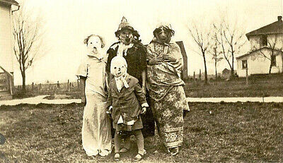 Homemade Scary Costume (Creepy Old Halloween Photo Vintage Homemade Scary Costumes- 17