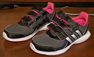 NEW Adidas Girls Running Shoes Black Hyperfast 2.0 / Size 1
