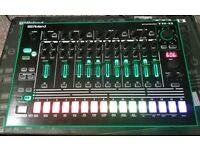 Roland TR-8 Drum Machine with 7x7 expansion (808, 909, 707, 727, 606)
