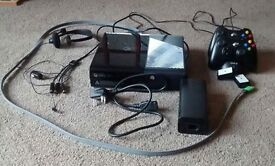 Xbox 360 + 2 controllers + rechargeable docking stations package