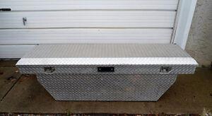 ALUMINUM TRUCK TOOL / CARGO STORAGE BOX