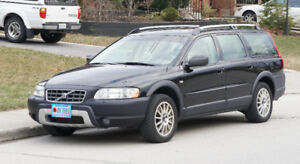 Volvo XC70 $4,000.00 Black and Tan interior
