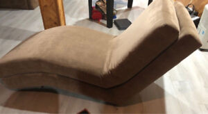 Grande chaise longue (fauteuil), style lounging chair