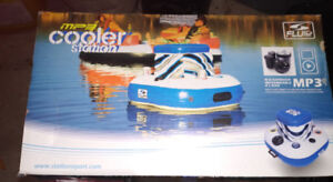 Brand New ~  MP3  Floating Cooler Station ~ in Box !