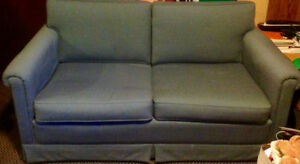Love seat & 2 couch sofa chairs  (accent chairs)